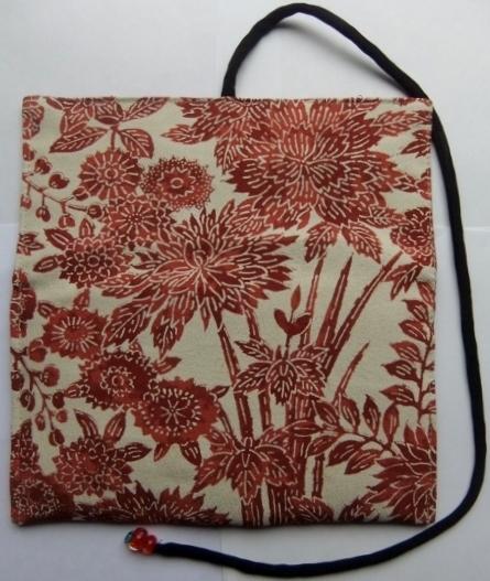 着物リメイク 花柄の着物で作った和風財布 1241