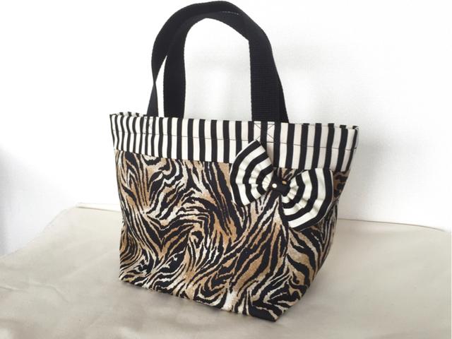 タイガー柄のminiトートバッグ