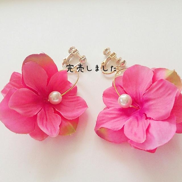 再販☆春夏カラー☆フラワーフープイヤリング フューシャピンク