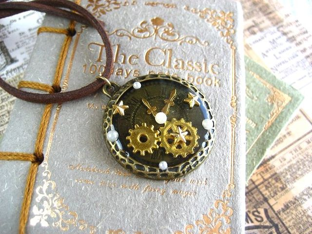 星と歯車時計のロングネックレス_480