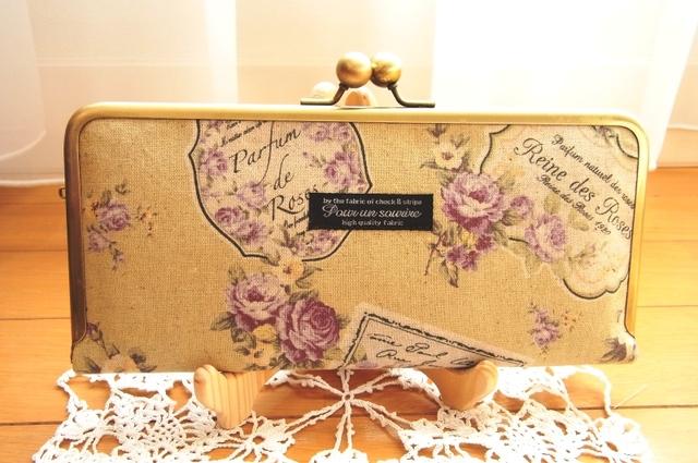 優しいパープルな薔薇柄のがま口長財布