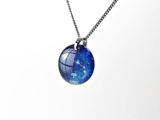 ★【おひつじ座】ほのかに灯る小粒な生まれ座ネックレス