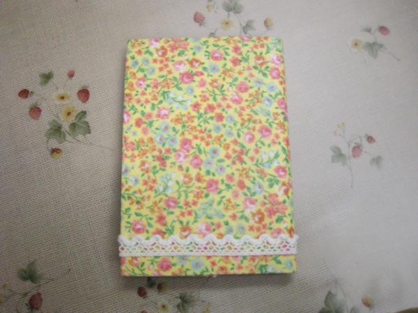 花柄レースのカバー カードケース(Y)
