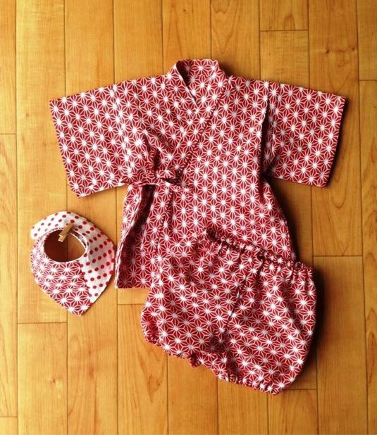 f5450ed15862c 送料無料 甚平70 スタイ 麻の葉(赤)女の子 出産祝い
