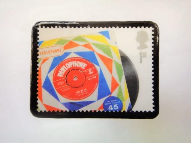 イギリス 切手ブローチ1003