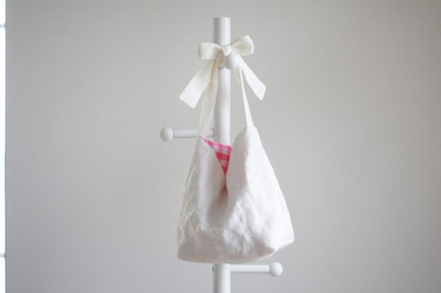 リネンキルティングリボンのバッグ(ホワイト×ピンクギンガムチェック )