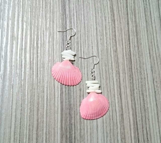 珊瑚とピンクの貝殻ピアス