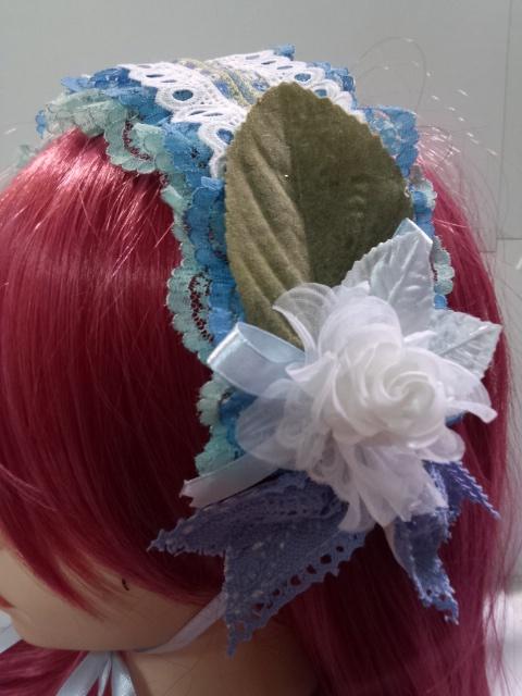 水色ベースのヘッドドレス アシメのお花付き
