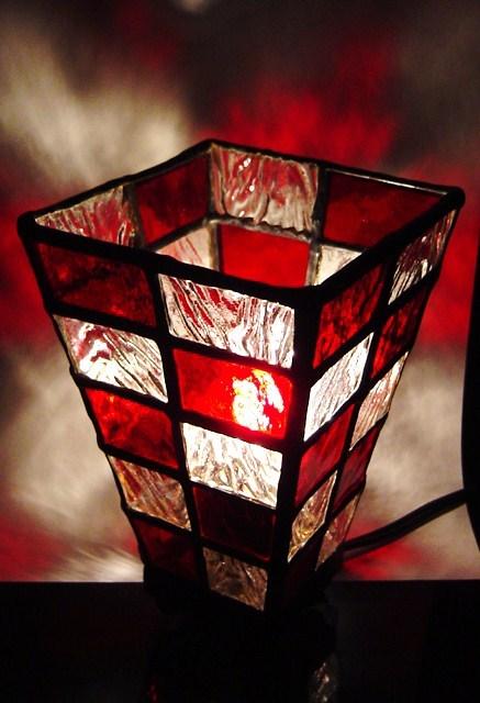 ステンドグラス ランプ 市松模様 深紅×波模様 和洋折衷
