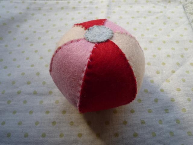 鈴入りボール(赤系)