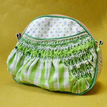 スモック刺繍ポーチ(緑)