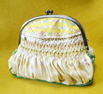 がま口のスモック刺繍ポーチ(黄色と緑)