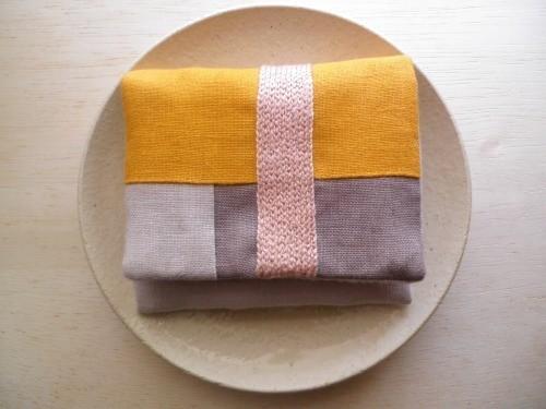 itoiro mini  purse pouch ( yellow & pink beige )