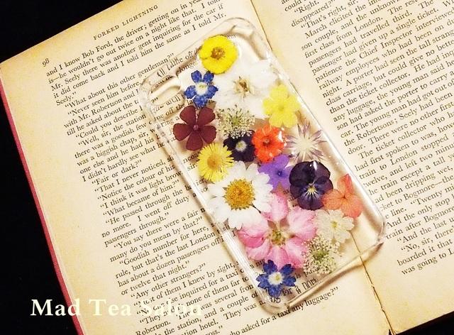 明るい小花のiphone4.4sカバー