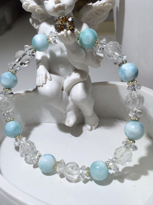 ラリマー&水晶(薔薇彫刻)のブレスレット