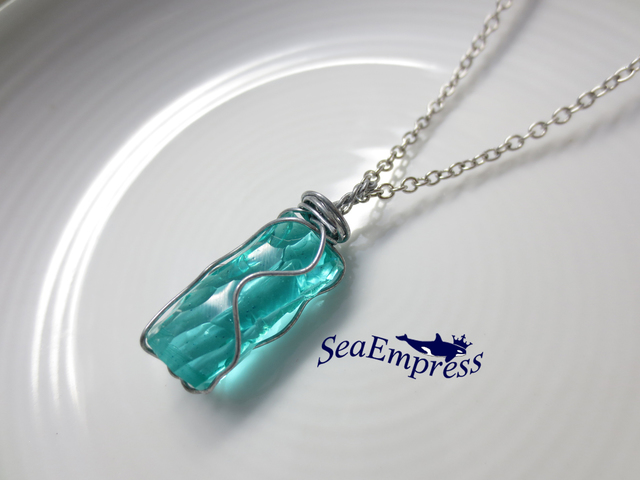 水色な魔法の宝石*レジンネックレスNo.8