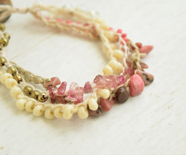 Pink gradation bracelet