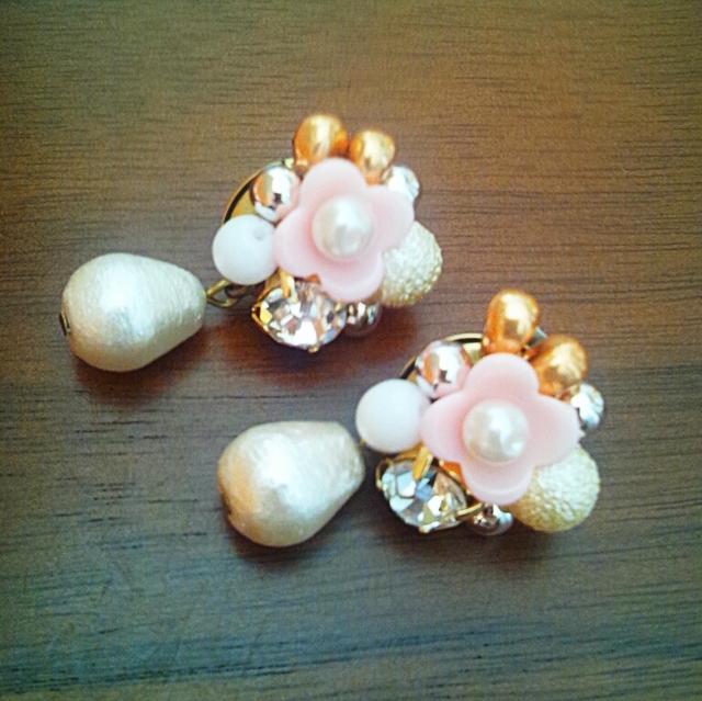 お花と宝石箱のピアス(ピンク)