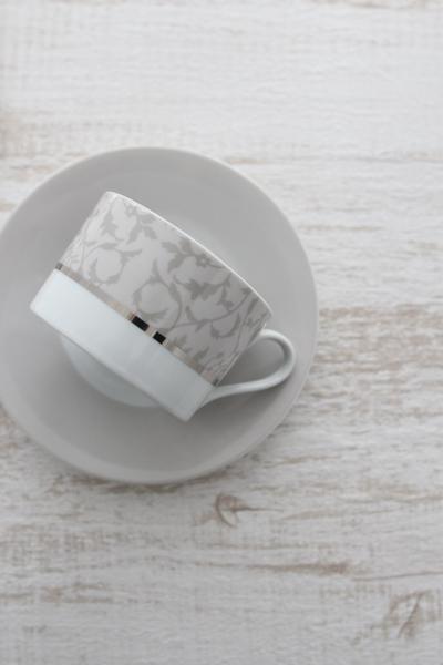 エレガントアラベスクのカップ&ソーサ...