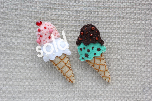 アイスクリームのフェルトブローチ
