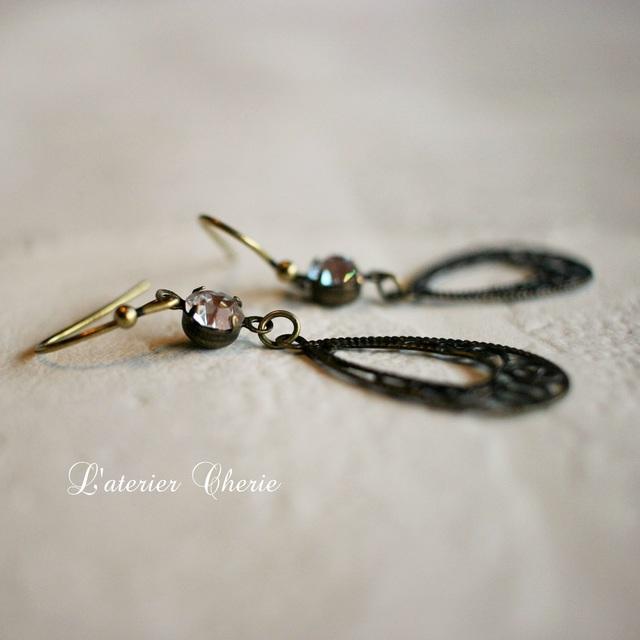 sale!【vintage】サフィレット☆antiquegold pierce(イヤリング)
