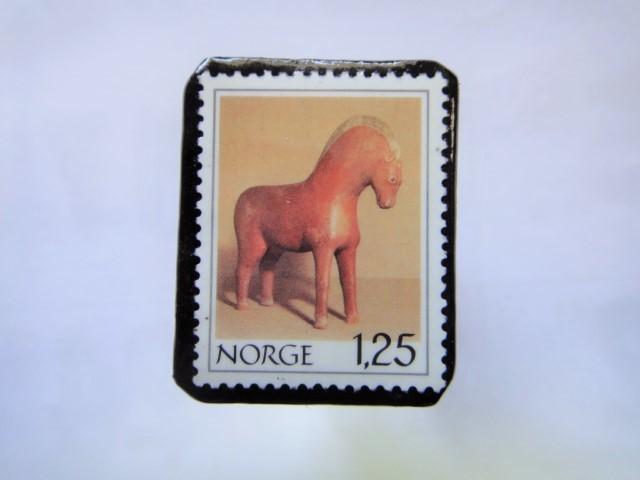 ノルウエー 切手ブローチ1022