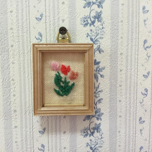 ミニチュア刺繍額(チューリップ)