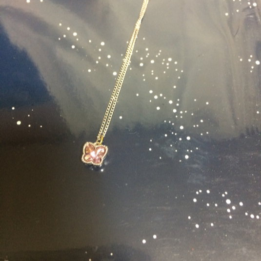 ふんわり蝶々の春色ネックレス・シルバー