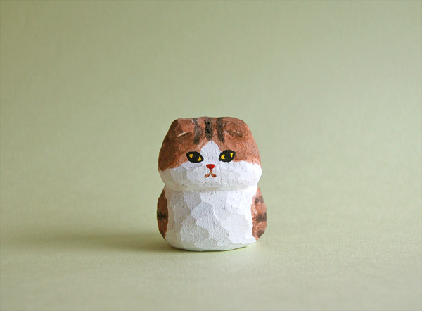 木彫り人形 こげ茶スコティッシュフォールド  [MWF-053]