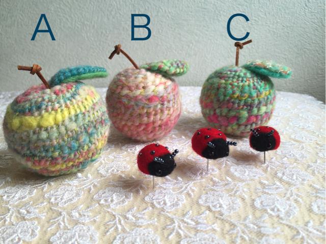 羊毛フェルト ニットりんごとてんとう虫