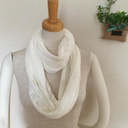 透かし編みスヌード  ホワイト
