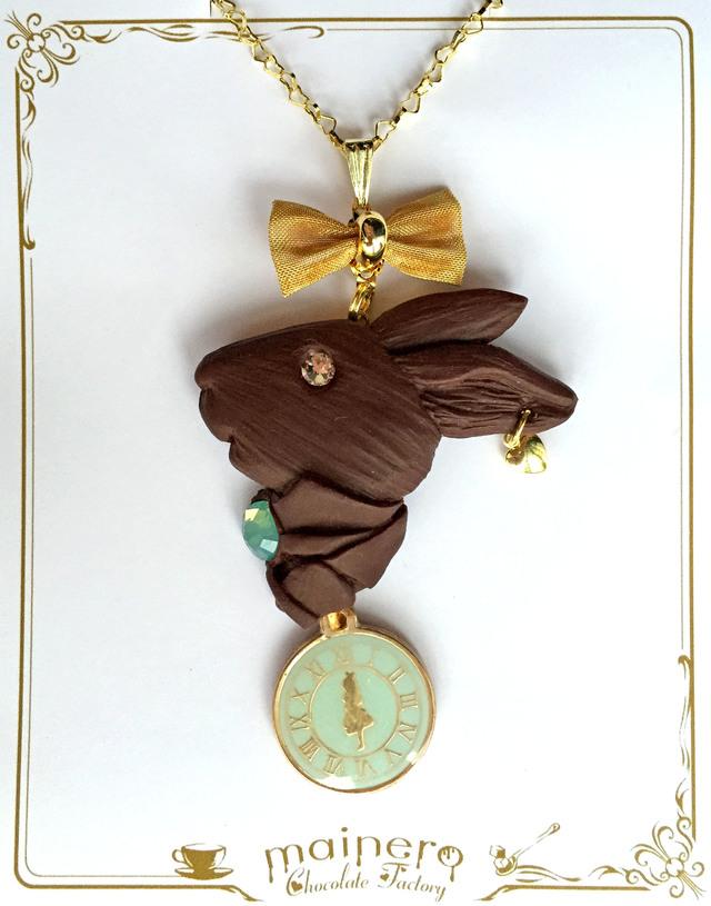 【限定カラー】アリスの時計とウサギのレリーフチョコネックレス?ブルー