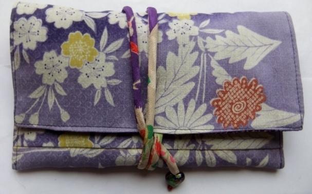 着物リメイク 花柄の着物で作った和風財布 1299