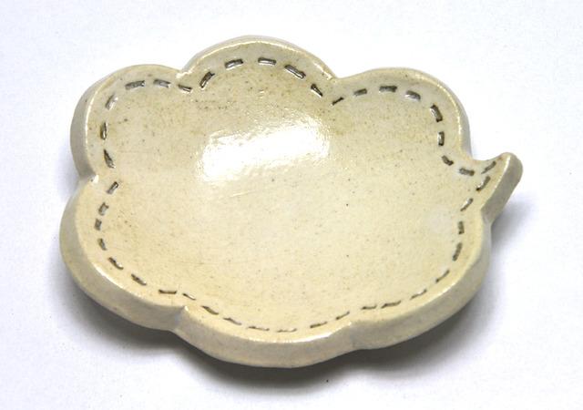 雲の吹き出し皿(白)