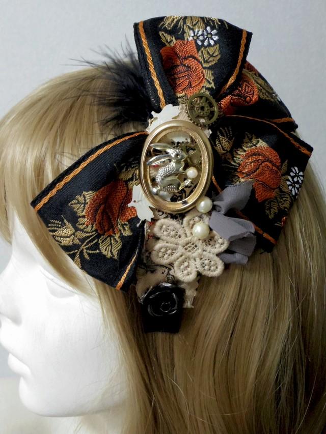 アンティークゴブラン風リボンとウサギとお花のカチューシャ  オリジナル