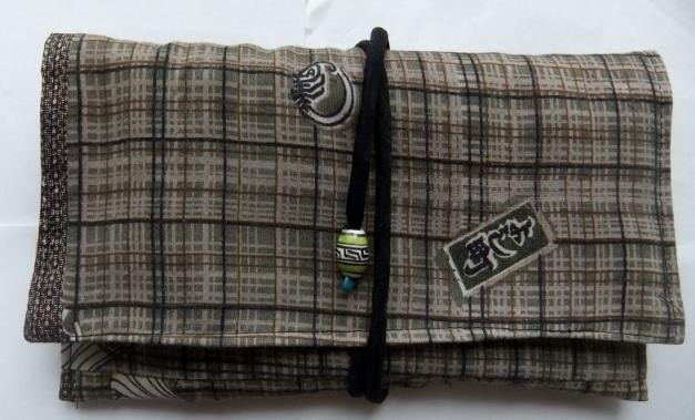 着物リメイク 羽織の裏地で作った和風財布 1305