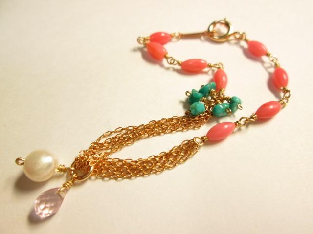 《送料無料》ピンク珊瑚とターコイズの華奢ブレスレット
