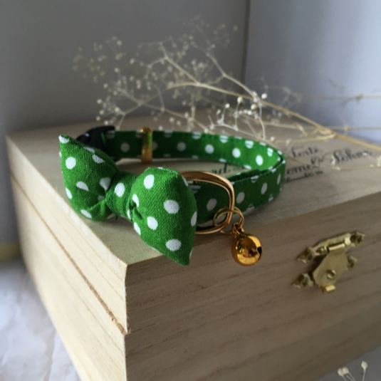 緑のドット ふっくらリボン 猫の首輪 鈴付き