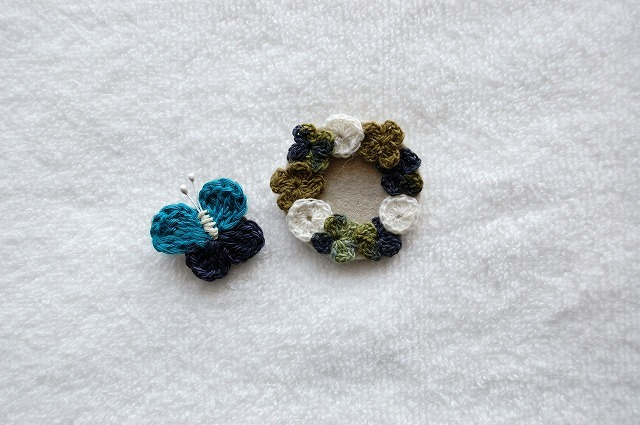 Clover wreath&butterfly brooch クローバーとチョウチョのブローチ