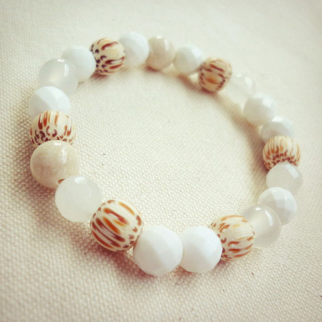 天然石ゴムブレスレット/ホワイトミックス