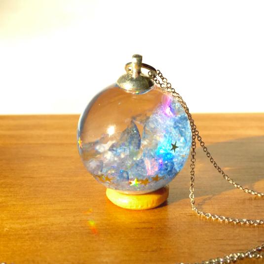 Blue  Aurora  orb/  Mサイズ/  Lサイズ   液体流動タイプガラスドーム  水晶   ネックレス