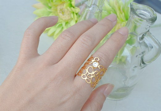 泡の指輪...