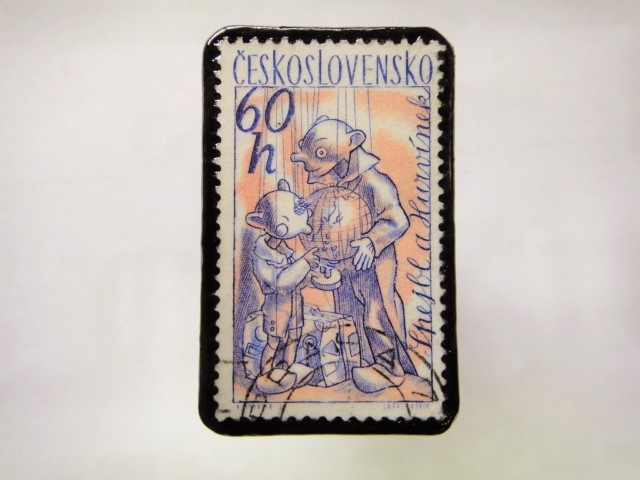 チェコスロバキア 切手ブローチ1040