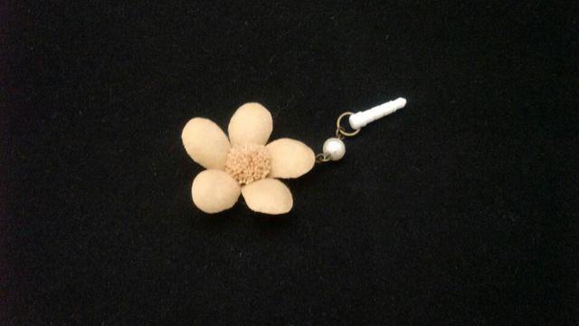 お花のイヤホンジャック1