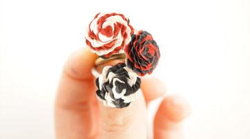 紙の花指輪「気まぐれ貴婦人」紙のリング