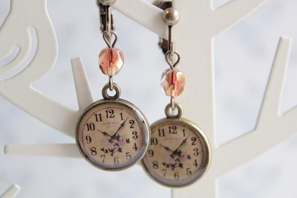 時計チャームのイヤリングorピアス(お花)