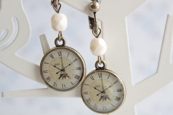 時計チャームのイヤリングorピアス(エッフェル塔)
