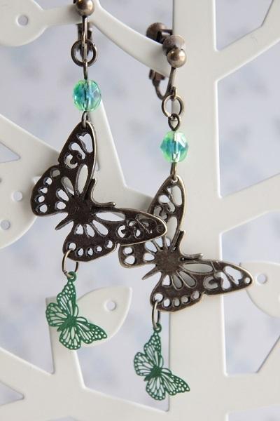 W蝶々チャームのイヤリングorピアス(グリーン)