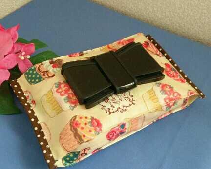 リボン型ビタット付き おしりふき入れ【カップケーキ】