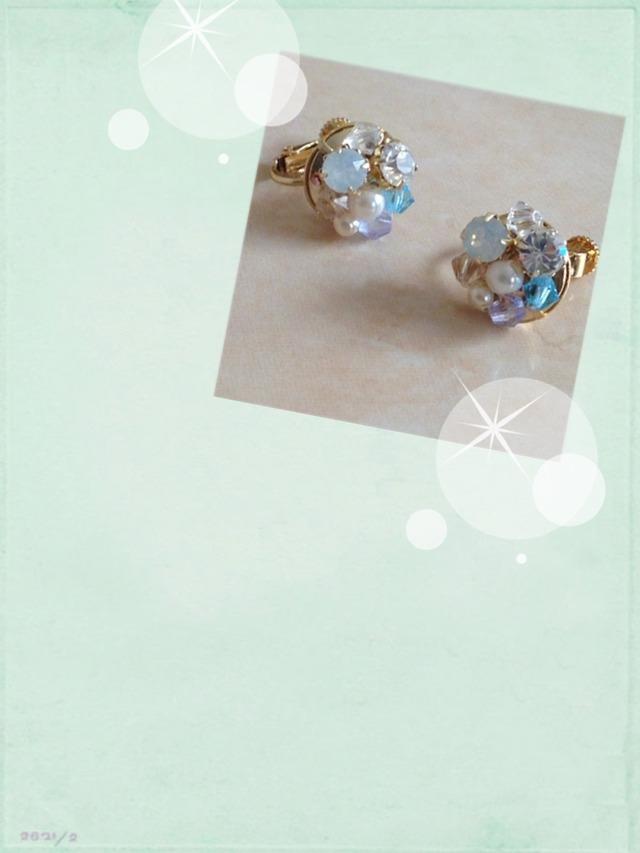 ブルー系ビジューいっぱいのイヤリング(ピアス変更可)